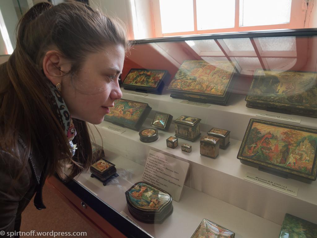 Путешествия  Владимир. Музей хрусталя и лаковой миниатюры