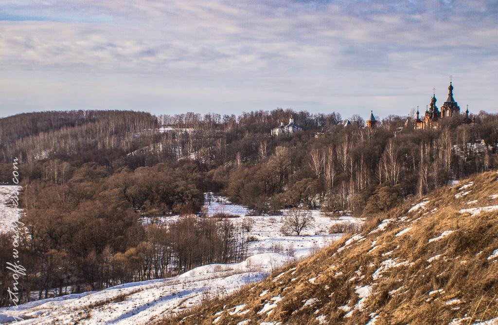 Путешествия  Долина реки р.Серена и Казанский Амвросиевский женский монастырь