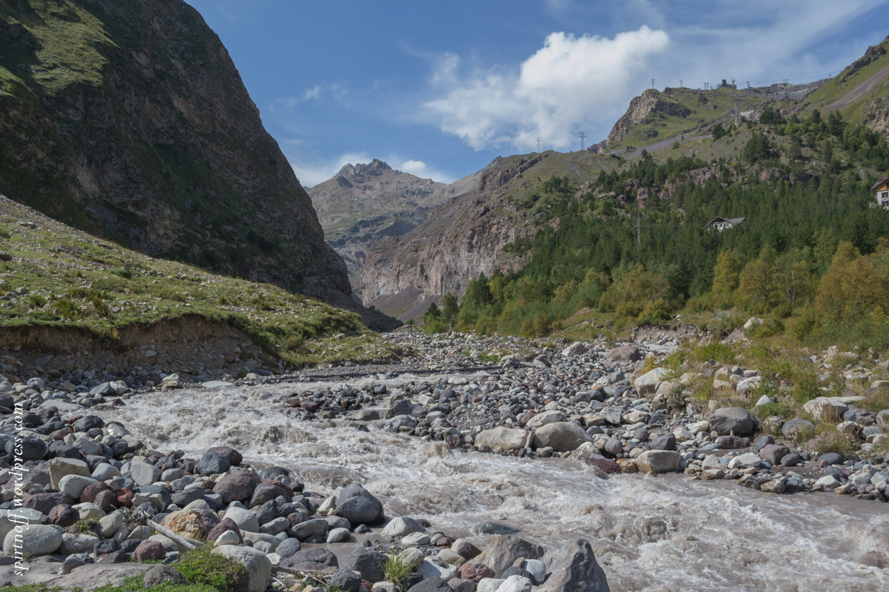 Путешествия  Вверх по реке Баксан