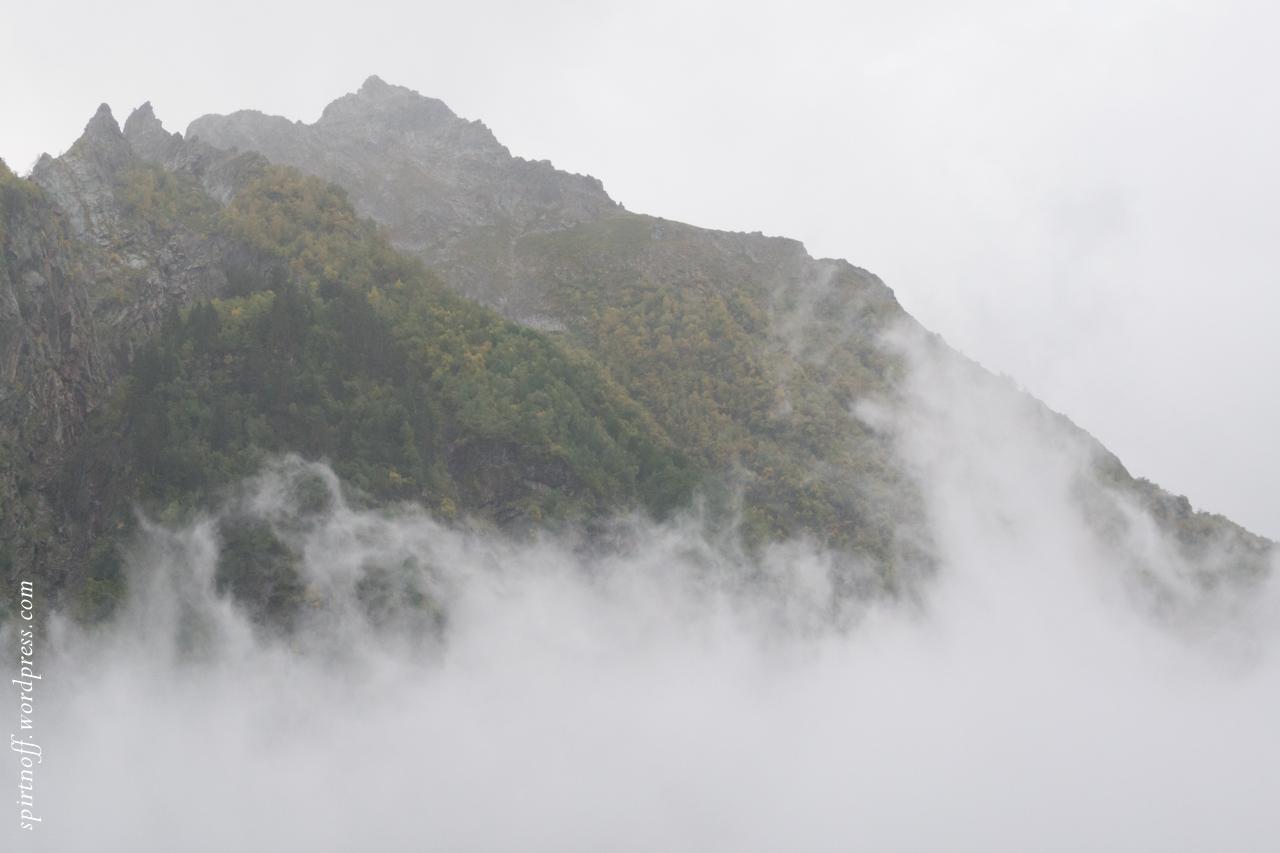Путешествия  Домбай. Почти без дождя